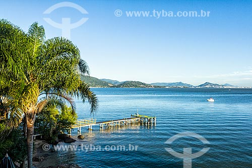 Píer do Restaurante Restinga na Praia da Barra do Sambaqui  - Florianópolis - Santa Catarina (SC) - Brasil