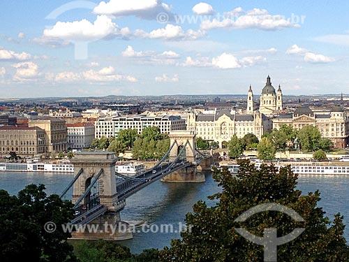 Vista da ponte The Széchenyi Chain Bridge sobre o Rio Danúbio  - Budapeste - Região de Budapeste - Hungria