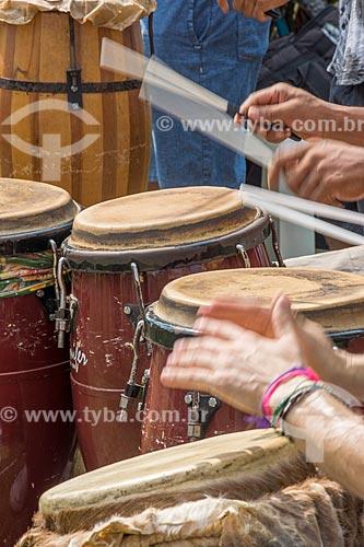 Músicos tocando durante a aula aberta de dança africana no Aterro do Flamengo  - Rio de Janeiro - Rio de Janeiro (RJ) - Brasil