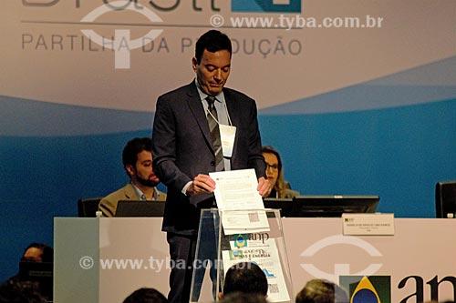 Detalhe do depósito de propostas na urna durante o leilão da 4ª rodada de partilha da produção do Pré-sal  - Rio de Janeiro - Rio de Janeiro (RJ) - Brasil