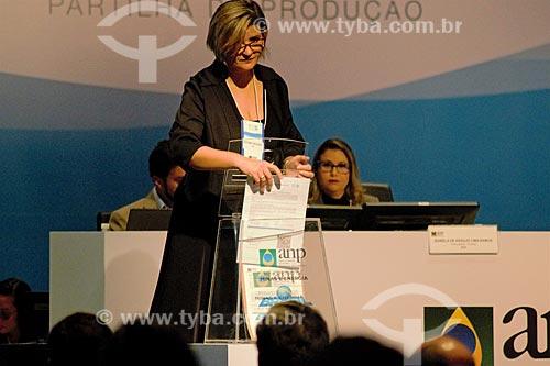 Abertura da urna pela comissão julgadora durante o leilão da 4ª rodada de partilha da produção do Pré-sal  - Rio de Janeiro - Rio de Janeiro (RJ) - Brasil