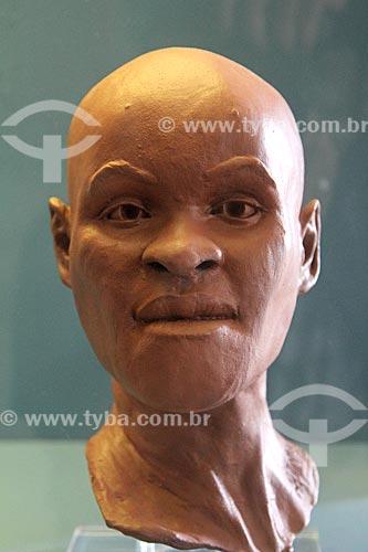 Reconstrução do fóssil mais antigo achado no Brasil de um Homo sapiens fêmea adulta que foi denominada Luzia em exibição no Museu Nacional - antigo Paço de São Cristóvão  - Rio de Janeiro - Rio de Janeiro (RJ) - Brasil