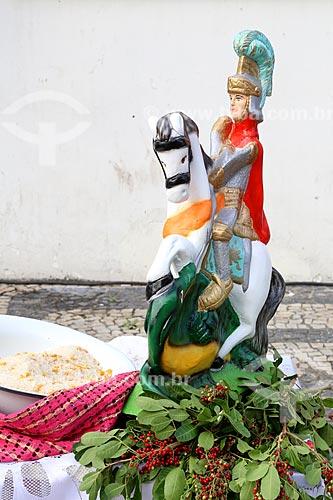 Detalhe de imagem de São Jorge próximo a Igreja São Gonçalo Garcia e São Jorge no dia de São Jorge  - Rio de Janeiro - Rio de Janeiro (RJ) - Brasil