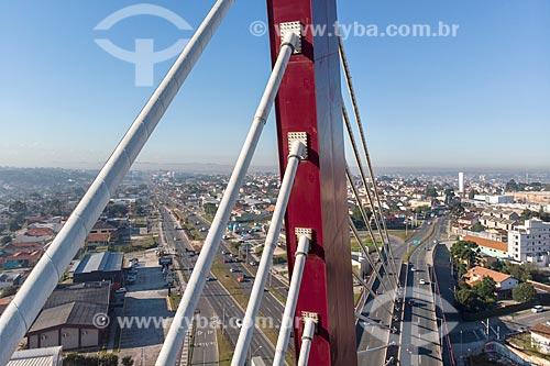 Foto feita com drone de detalhe do Viaduto Estaiado de Curitiba sob a Avenida Comendador Franco  - Curitiba - Paraná (PR) - Brasil