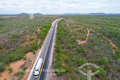 Foto feita com drone de trecho da Rodovia BR-316  - Salgueiro - Pernambuco (PE) - Brasil