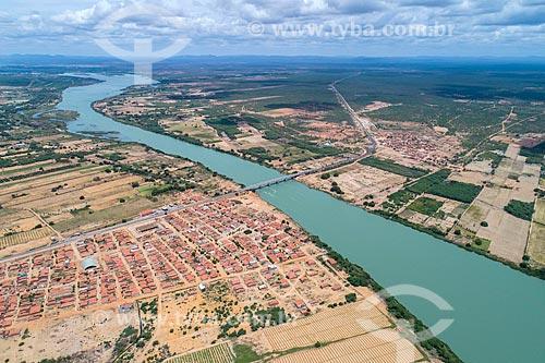 Foto feita com drone do Arquipélago de Assunção - divisa natural entre Bahia e Pernambuco - com o distrito de Ibo à esquerda  - Abaré - Bahia (BA) - Brasil