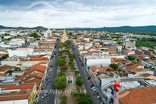 Foto feita com drone da cidade de Serra Talhada com a Igreja Matriz de Nossa Senhora da Penha ao fundo  - Serra Talhada - Pernambuco (PE) - Brasil