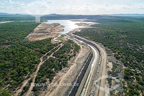 Foto feita com drone do canal do Projeto de Integração do Rio São Francisco com as bacias hidrográficas do Nordeste Setentrional - eixo leste  - Custódia - Pernambuco (PE) - Brasil