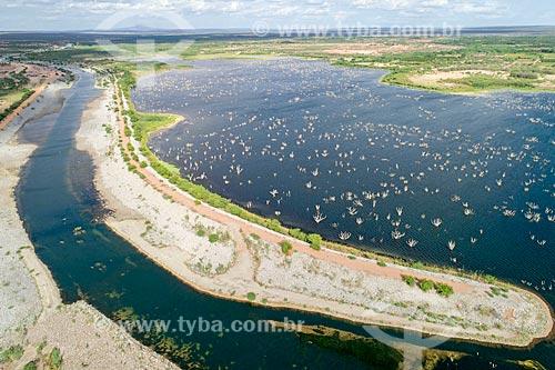 Foto feita com drone do canal próximo à EBV 1 do Projeto de Integração do Rio São Francisco com as bacias hidrográficas do Nordeste Setentrional - eixo leste  - Floresta - Pernambuco (PE) - Brasil