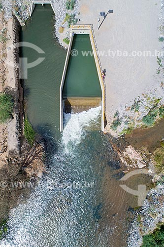 Foto feita com drone do desague do canal do Projeto de Integração do Rio São Francisco com as bacias hidrográficas do Nordeste Setentrional no Rio Paraíba - galeria fechada à direita  - Monteiro - Paraíba (PB) - Brasil