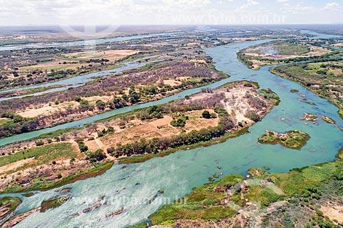 Foto feita com drone de ilhas fluviais no Rio São Francisco  - Belém de São Francisco - Pernambuco (PE) - Brasil