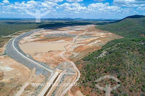 Foto feita com drone do Reservatório Serra do Livramento - parte do Projeto de Integração do Rio São Francisco com as bacias hidrográficas do Nordeste Setentrional - eixo norte  - Salgueiro - Pernambuco (PE) - Brasil