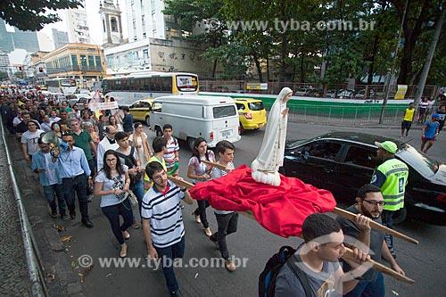 Procissão em manifestação contra o aborto na Avenida Passos  - Rio de Janeiro - Rio de Janeiro (RJ) - Brasil