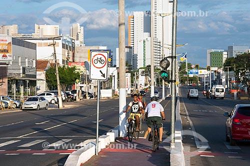 Vista de trecho de ciclovia na Avenida Padre Cícero  - Juazeiro do Norte - Ceará (CE) - Brasil