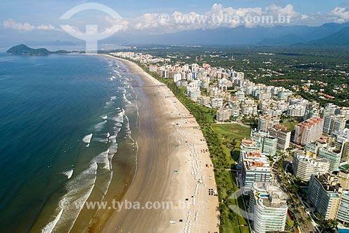 Foto feita com drone da Praia da Riviera de São Lourenço com a Pedra Selada ao fundo  - Bertioga - São Paulo (SP) - Brasil