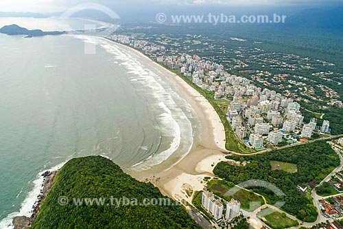 Foto feita com drone do Morro de São Lourenço e da Praia da Riviera de São Lourenço com a Pedra Selada ao fundo  - Bertioga - São Paulo (SP) - Brasil