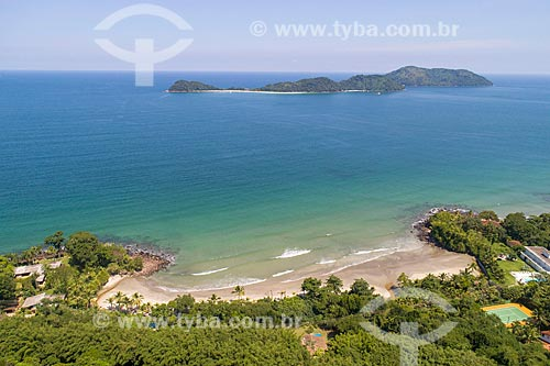Foto feita com drone da Praia Preta com a As ilhas e a Ilha das Couves de São Sebastião ao fundo  - São Sebastião - São Paulo (SP) - Brasil