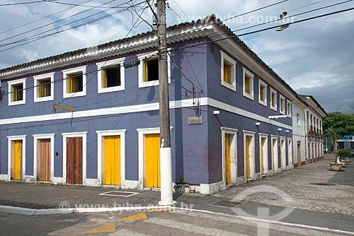 Casario na orla da cidade de São Sebastião  - São Sebastião - São Paulo (SP) - Brasil
