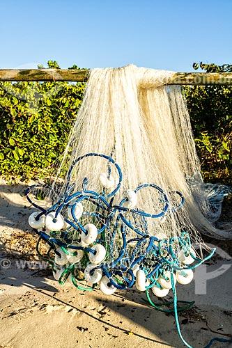 Detalhe de rede de pesca na orla da Praia da Lagoinha  - Florianópolis - Santa Catarina (SC) - Brasil