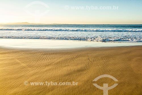 Vista da orla da Praia da Lagoinha durante o pôr do sol  - Florianópolis - Santa Catarina (SC) - Brasil