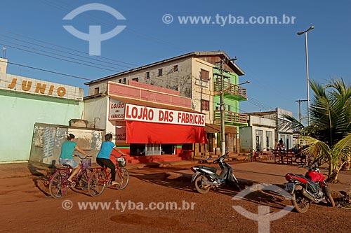 Casas e loja na cidade de Boca do Acre  - Boca do Acre - Amazonas (AM) - Brasil