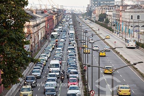 Congestionamento na Avenida Rodrigues Alves na volta pra casa horas antes do jogo da Seleção Brasileira durante a Copa do Mundo 2018  - Rio de Janeiro - Rio de Janeiro (RJ) - Brasil