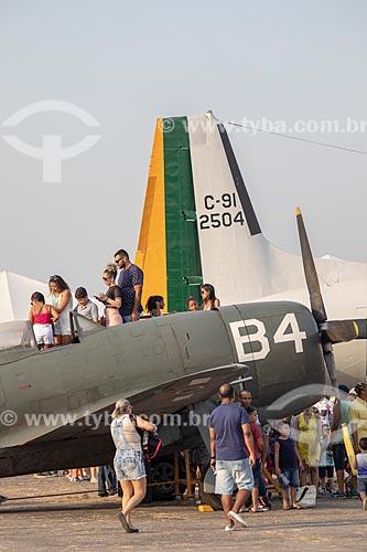 Avião Republic P-47D Thumderbolt da Força Aérea Brasileira em exibição na Base Aérea dos Afonsos durante a comemoração dos 145 anos do nascimento de Santos Dumont  - Rio de Janeiro - Rio de Janeiro (RJ) - Brasil