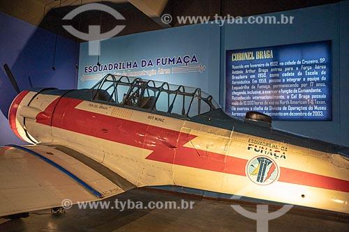 Avião norte-americano AT-6D Texan - Esquadrilha da Fumaça da Força Aérea Brasileira - usado entre 1942 e 1976 - em exibição no Museu Aeroespacial (1976) na Base Aérea dos Afonsos  - Rio de Janeiro - Rio de Janeiro (RJ) - Brasil