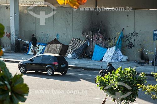 Moradores de rua próximo à Estação Maracanã do Metrô Rio  - Rio de Janeiro - Rio de Janeiro (RJ) - Brasil