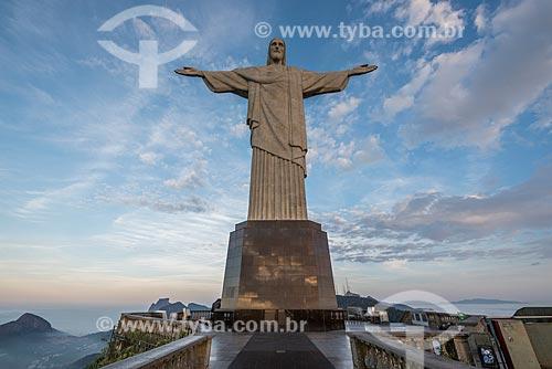 Vista do Cristo Redentor durante o amanhecer  - Rio de Janeiro - Rio de Janeiro (RJ) - Brasil