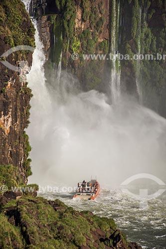 Passeio turístico de barco no Rio Iguaçu - Parque Nacional do Iguaçu  - Foz do Iguaçu - Paraná (PR) - Brasil