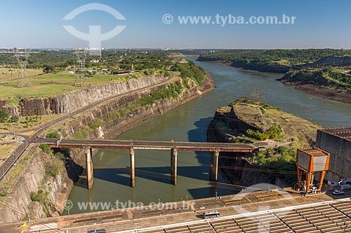 Vista do Rio Paraná próximo à Usina Hidrelétrica Itaipu Binacional  - Foz do Iguaçu - Paraná (PR) - Brasil