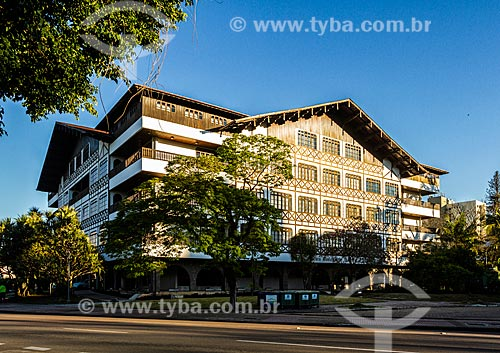 Fachada da sede da Prefeitura da cidade de Blumenau (1982) com estilo enxaimel  - Blumenau - Santa Catarina (SC) - Brasil