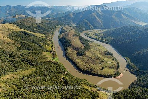 Foto aérea de trecho do Rio Ribeira de Iguape  - Barra do Turvo - São Paulo (SP) - Brasil