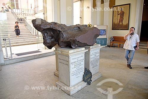 Meteorito do Bendegó em exibição no Museu Nacional - antigo Paço de São Cristóvão  - Rio de Janeiro - Rio de Janeiro (RJ) - Brasil