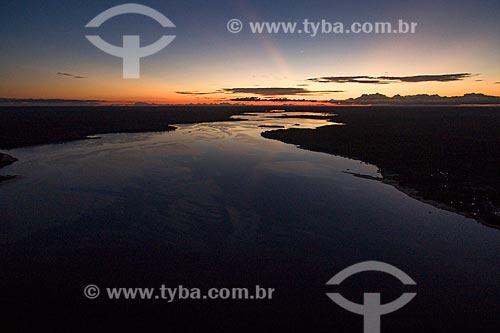 Foto aérea do Rio Arapiuns durante o pôr do sol  - Santarém - Pará (PA) - Brasil
