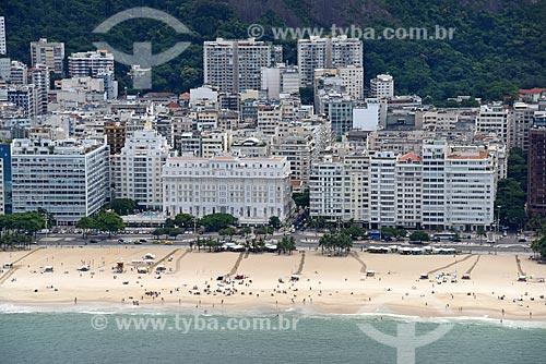 Foto aérea do Hotel Copacabana Palace (1923) na orla da Praia de Copacabana  - Rio de Janeiro - Rio de Janeiro (RJ) - Brasil