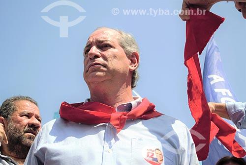 Ciro Gomes - candidato à presidência pelo Partido Democrático Trabalhista (PDT) - durante carreata em Madureira  - Rio de Janeiro - Rio de Janeiro (RJ) - Brasil