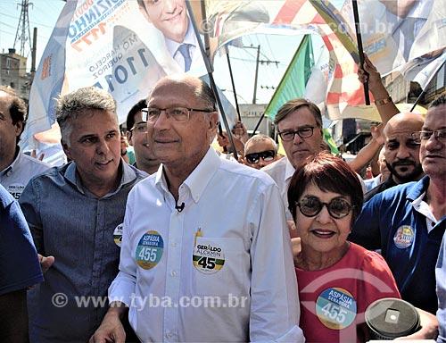 Geraldo Alckmin e Aspásia Camargo - candidato à presidência e candidata ao senado pelo Partido da Social Democracia Brasileira (PSDB) - e  durante caminhada no bairro de Madureira  - Rio de Janeiro - Rio de Janeiro (RJ) - Brasil