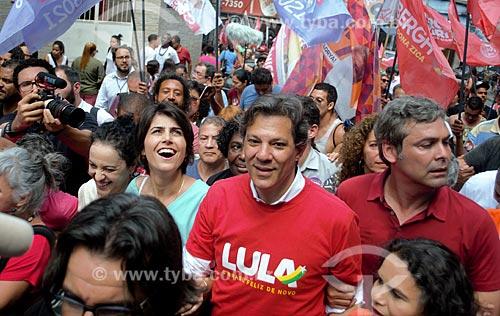 Manuela dÁvila, Fernando Haddad e Lindberg Farias - candidatos pelo Partido dos Trabalhadores (PT) - durante caminhada na Favela da Rocinha  - Rio de Janeiro - Rio de Janeiro (RJ) - Brasil