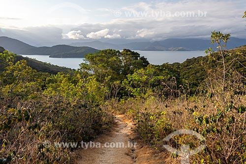 Vista da orla da Ilha Grande durante trilha  - Angra dos Reis - Rio de Janeiro (RJ) - Brasil