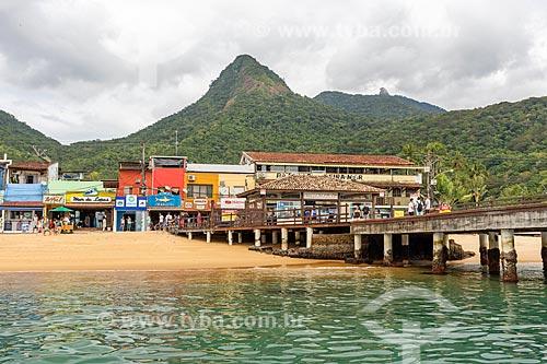 Vista do Porto da Vila do Abraão a partir da Baía de Ilha Grande com o Pico do Papagaio ao fundo  - Angra dos Reis - Rio de Janeiro (RJ) - Brasil