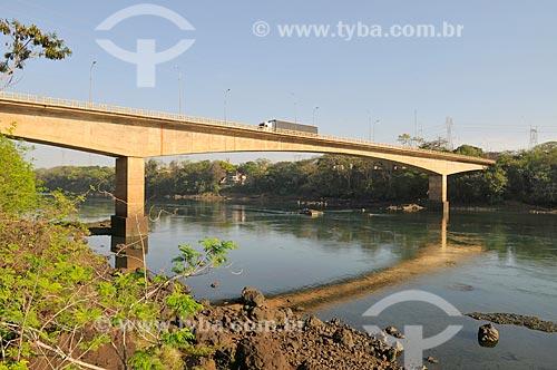 Ponte Mendonça Lima sobre o Rio Grande - divisa dos estados de São Paulo e Minas Gerais  - Icém - São Paulo (SP) - Brasil
