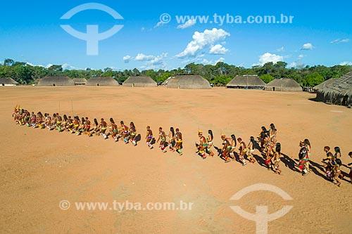 Dança do beija-flor na aldeia Aiha da tribo Kalapalo - ACRÉSCIMO DE 100% SOBRE O VALOR DE TABELA  - Querência - Mato Grosso (MT) - Brasil