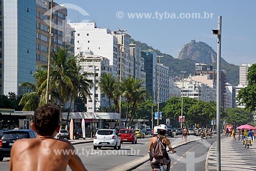 Radar para fiscalização eletrônica de velocidade na Avenida Atlântica próximo à ciclovia com o Pão de Açúcar ao fundo  - Rio de Janeiro - Rio de Janeiro (RJ) - Brasil