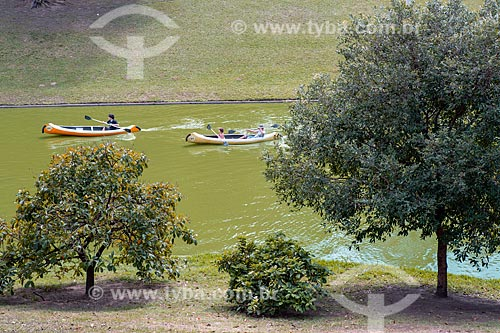 Vista de passeio de caiaque no lago do Parque da Quinta da Boa Vista  - Rio de Janeiro - Rio de Janeiro (RJ) - Brasil