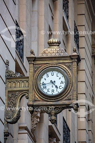 Detalhe do relógio de rua da Sul América Seguros no Edifício Galeria SulAmérica  - Rio de Janeiro - Rio de Janeiro (RJ) - Brasil
