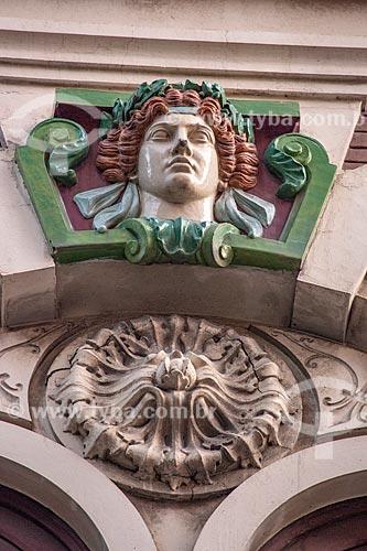 Detalhe da fachada de prédio na Avenida Rio Branco  - Rio de Janeiro - Rio de Janeiro (RJ) - Brasil