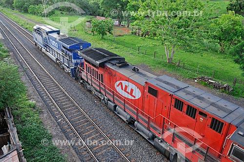 Detalhe de trem de carga da antiga América Latina Logística S.A. (também conhecida como ALL) - atual Rumo Logística  - Uchoa - São Paulo (SP) - Brasil