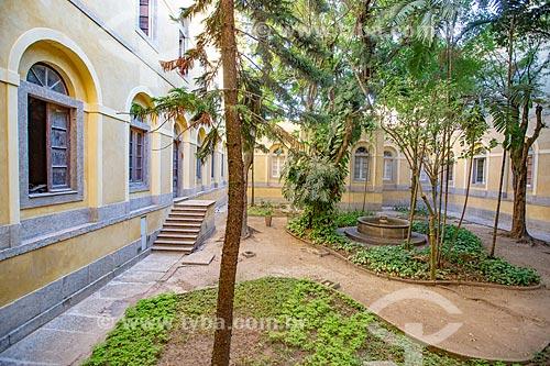 Jardim no Instituto de Economia do Campus Praia Vermelha da Universidade Federal do Rio de Janeiro  - Rio de Janeiro - Rio de Janeiro (RJ) - Brasil